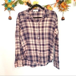 🌲 WAYF pink navy blue crinkle plaid button down M